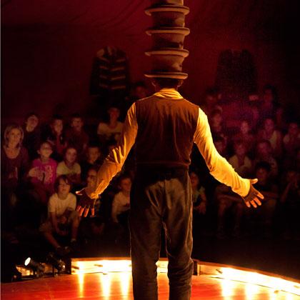 Betes-de-Foire--web420-2-chapeaux--photo-VincentMuteau